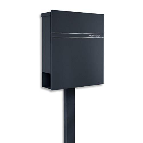 Metzler Standbriefkasten in Anthrazit RAL 7016 - Rostfrei & Massiv - Briefkasten inkl. Zeitungsfach - Modernes Design - Briefkasten mit Gravur und Briefkastenständer, Größe: 35,5 x 43,5 x 10 cm