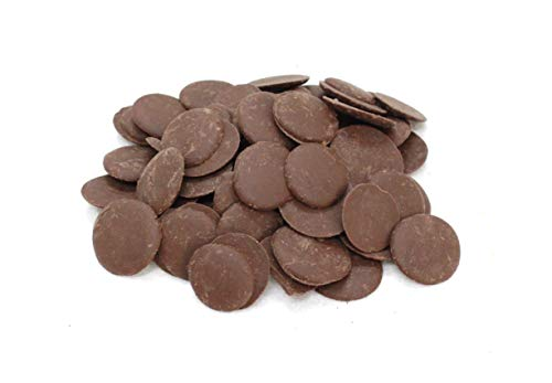 タブレット型なので刻む手間がいらない、コーティング用チョコレート。60℃の湯煎にかけて溶かして使用します。