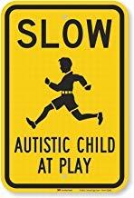Señal de advertencia para niños en el juego, con texto en inglés 'Slow - Autistic Child at Play' y texto en inglés 'Private Property Tin Metal Warning Sign Safety Notice Sign Outdoor Yard Sign House Decor 8 x 12'