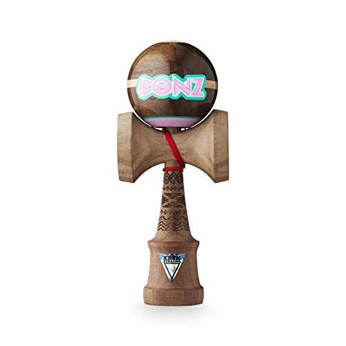 Original KROM Pro Kendama aus Holz für Anfänger und Fortgeschrittene - Bonz Walnut Pro Model - Geschicklichkeitsspiel für draußen und drinnen - Holzspielzeug mit Schnur und Ball