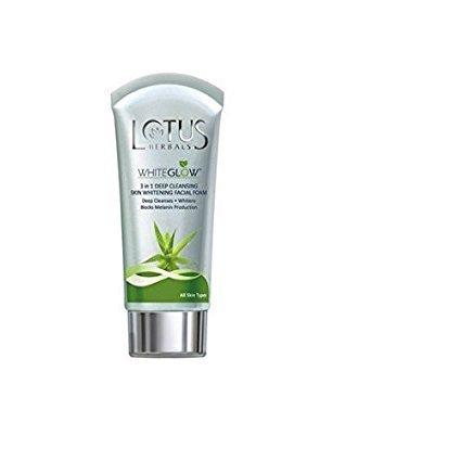 Lotus Herbals blanc Glow 3 en 1 nettoyage en profondeur la peau du visage blanchissant mousse Face Wash (100 G)