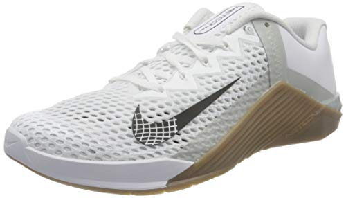 Nike Herren Metcon 6 Gymnastics Shoe, White Black Gum Dark Brown Grey Fog White, 44 EU