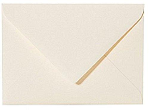 25 B6 DIN Briefumschläge (12,5 x 17,6 cm) Zart Creme Verschluss: feuchtklebend Grammatur: 120 g/m²