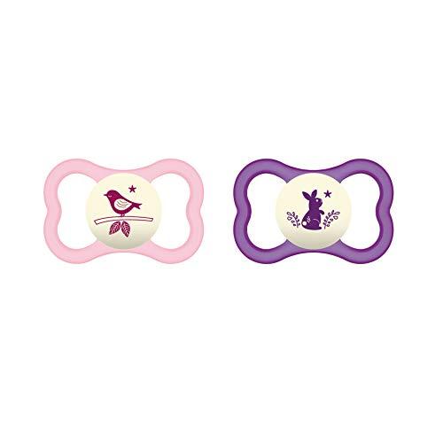 MAM Air Night Silikon Schnuller im 2er-Set, zahnfreundlicher und leuchtender Baby Schnuller, extra leichtes und luftiges Schilddesign mit Schnullerbox, 16+ Monate, rosa
