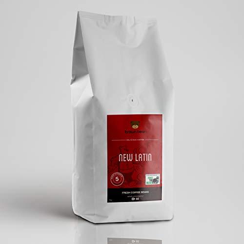Brown Bear New Latin Kaffee - koffeinhaltiger Espresso, dunkle Röstung, ganze Bohnen - 100 % Arabicabohnen - Schokokeks & Butter Aroma - Stärke 5 - Perfekt für Kaffeevollautomaten - 1 kg Packung