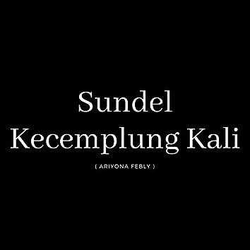 Sundel Kecemplung Kali