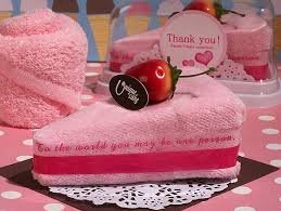 Towel Cake Strawberry Cake, Favor
