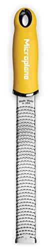 Microplane Zester Reibe Fein Gelb Edelstahl für Zitrusfrüchte, Hartkäse, Ingwer, Schokolade, Muskatnuss und Trüffel aus der Premium Classic Serie