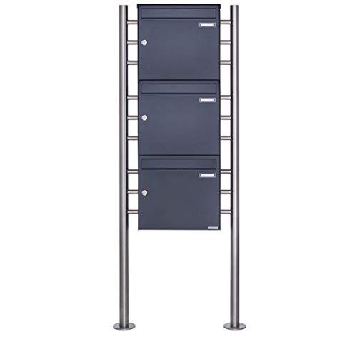 3er Standbriefkasten - 3 fach Briefkastenanlage Design BASIC 381 - Briefkasten Manufaktur Lippe (3 Parteien, senkrecht, RAL 7016 anthrazitgrau feinstruktur matt)