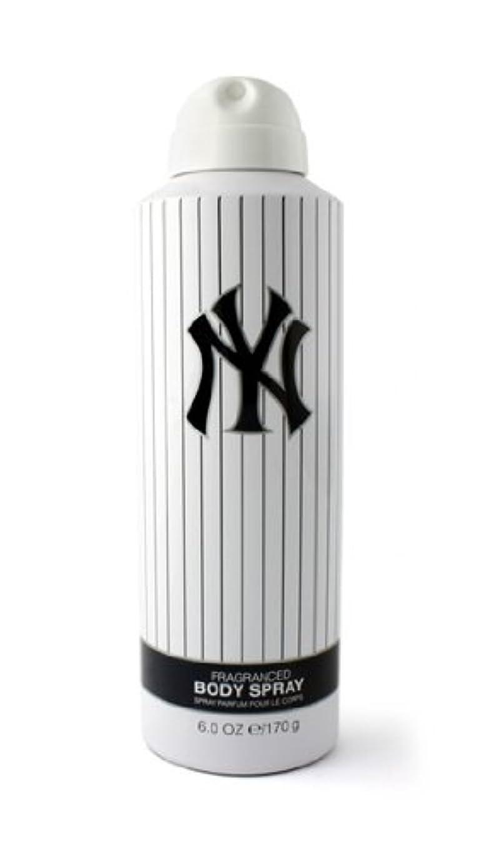 ジャングル記事スリットNew York Yankees (ニューヨーク ヤンキース) 6.0 oz (180ml) Body Spray by New York Yankees for Men