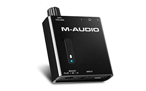 M-Audio Bass Traveler - Ultra-kompakter, akkubetriebener Kopfhörerverstärker mit zwei Ausgängen und 2-Stufen Boost