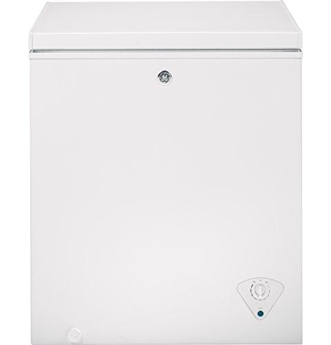 GE FCM5SKWW Chest Freezer for Garage, 5 cubic ft