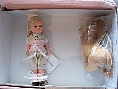 Para tu estilo de juego a los precios más baratos. Madame Alexander -Safari doll with Cute stuffed Lion by by by Madame Alexander  los clientes primero