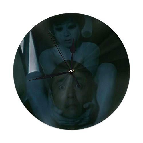Sadako Vs Kayako 25,4 cm, nicht tickend, Horloge, PVC, runde Wanduhr, leicht ablesbar, batteriebetrieben, für Schlafzimmer, Wohnzimmer, Küche, Schule, Büro