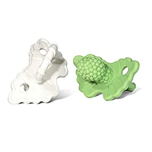 SOFT SILICONE: Non-toxic food grade silicone and is free of BPA, PVC, phthalates, lead and cadmium BERRYBUMPS: Patented bumps soothe baby's swollen gums and emerging teeth. Perfect texture to chew ORIGINAL: RaZberry Teether is the original hands free...