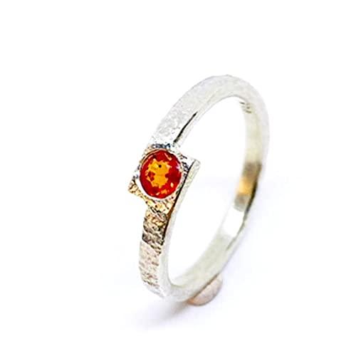 Bonito anillo con precioso Zafiro natural de medidas 4 mm x 2,6 mm y 0.32 quilates, realizado totalmente a mano en Plata de ley. Anillo con precioso Zafiro rojo