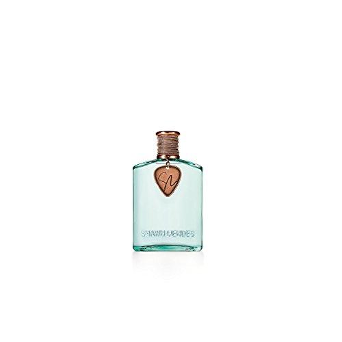 Es una fragancia de la familia olfativa Vainilla Notas de salida: piña, manzana roja y limón Notas de corazón: frangipani (plumería, plumaria, arapaima), rosa y savia de arce Notas de fondo: extracto de cedro blanco, almizcle y dulce de leche