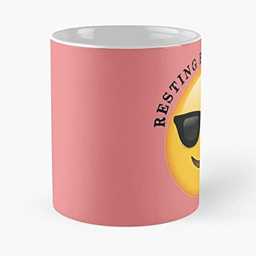 Beach Cover Up Gifts – Resting Beach F Funny Gift Ideas for Ocean Beach Lovers & Sun Worshippers at Beaches with Smiley F Emoji – La mejor taza de café de cerámica de mármol blanco de 11oz