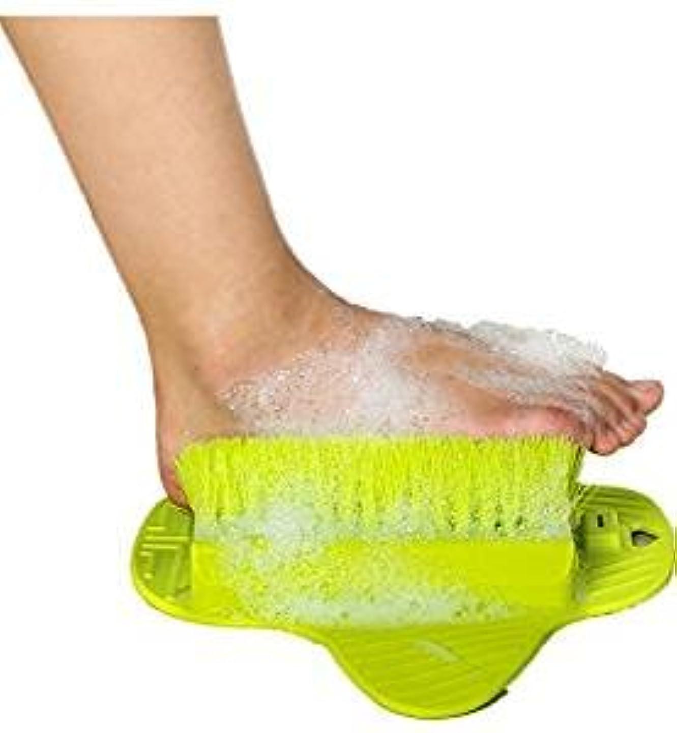 アメリカ怒り量足洗いマット 足洗いブラシ マッサージマット 角質ケアブラシ 足洗い用 バスマット フットブラシ 血液循環 吸盤 壁掛けフック用穴付き フットブラシ お風呂で使える角質ケアブラシ (緑)