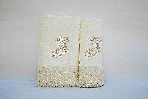 (J). Juego de 3 toallas beije(100x150, 50x100, 50x30) LETRAS INICIALES BORDADAS, 100%algodón,, fabricado en Portugal.