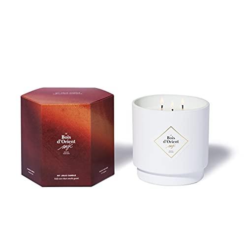My Jolie Candle, candela profumata grande, 3 stoppini, ambra (il legno d'oriento), cera naturale 100% vegetale, 100 ore di combustione, profumo francese, 550 g