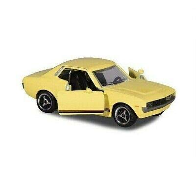 Majorette Vintage Toyota Celica, Spielzeugauto, Freilauf, zu öffnende Teile, Federung, Sammelkarte, 1:64, 7,5 cm, gelb, für Kinder ab 3 Jahren