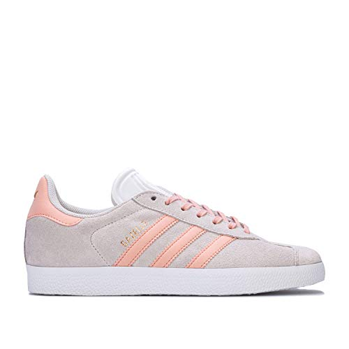 Womens Adidas Originals Gazelle Trainers in Footwear White/pink Spirit/Copper metallic.