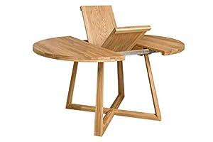 Moby è un tavolo rotondo per la tua sala da pranzo o cucina, con gambe incrociate in legno massello di quercia. Un design in stile nordico facilmente adattabile a qualsiasi ambiente, ed estensibile per le occasioni speciali. La nostra linea NordicSto...