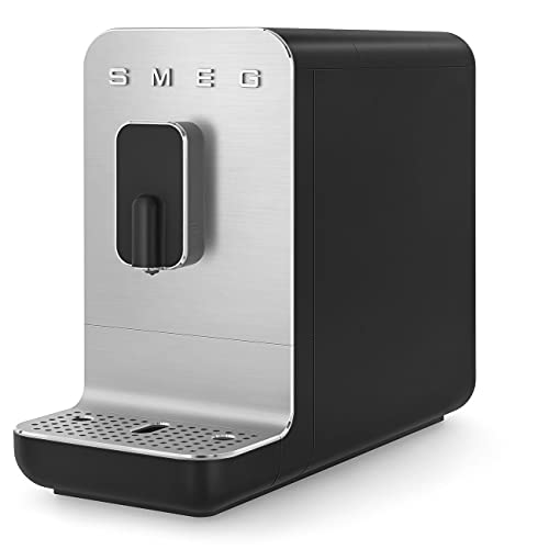 Smeg Cafetera automática compacta BCC01BLMEU, color negro