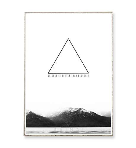 DIN A4 Kunstdruck Poster SILENCE IS BETTER -ungerahmt- Berg, Gebirge, geometrisch, Dreieck, Typografie, skandinavisch, nordisch