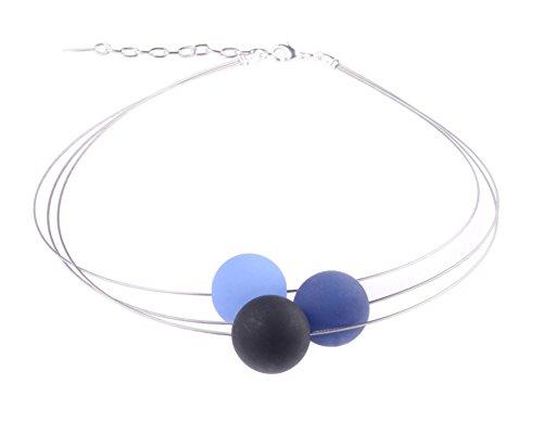"""Adi Modeschmuck Polariskette """"Luna"""", 3-strängiger Halsreif aus 20mm Polarisperlen in blau und schwarz, handgefertigt Berlin"""