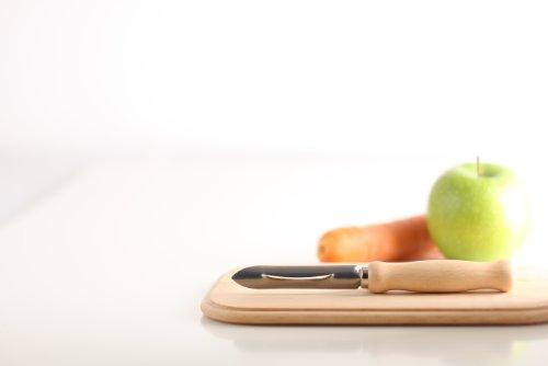 Menz Schälkönig mit Holzgriff und rostfreier Edelstahlklinge, 4 Stück - Kostenlose Lieferung