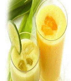 バナナジュース、バナナスムージーの素(冷凍) 100g × 7袋【消費税込み】バナナすり潰し、シロップ入れ真空パック加工したバナナジュースの素です。教えてもらう前と後
