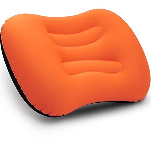 BETUS DREAMER COMFORT Ultralicht opblaasbaar luchtkussen - samendrukbaar, compact, comfortabel, ergonomisch kussen voor nek- en lendensteun voor reistrips, backpacken en kamperen (oranje)