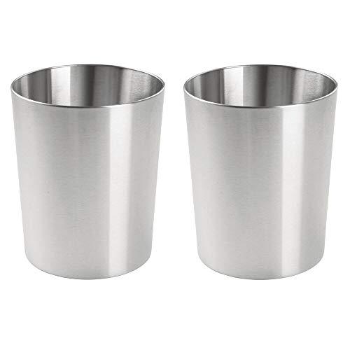 mDesign 2er-Set runder Mülleimer – kompakter Abfalleimer für Bad, Büro und Küche mit ausreichend Platz für den Müll – Papierkorb aus gebürstetem Edelstahl – silberfarben
