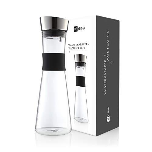 HEYNNA® Premium Karaffe / Wasserkaraffe mit Edelstahl Ausguss und praktischem Griff 1L Borosilikatglas