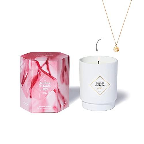 My Joliie CANDLE   Vela perfumada flor de cerezo con joya en el interior (Los Jardines de Kioto)   Collar chapado en oro   50 h Combustion   Cera 100% natural vegetal   250 g