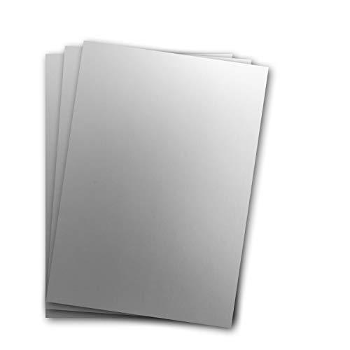 Metallic Papier DIN A4 21,0 x 29,7 cm - Silber Metallic - 15 Stück - glänzendes Bastelpapier 90 g/m² - Rückseite Weiß - Für Einladungen, Hochzeiten