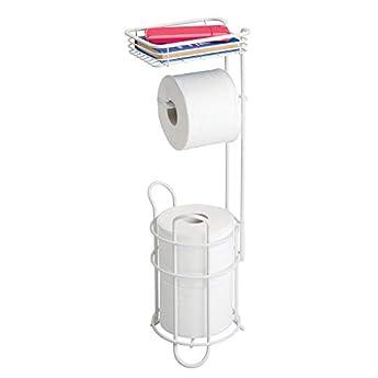 Foto di mDesign Porta carta igienica autoportante con mensola – Pratico porta rotolo bagno in metallo – Funzionale portarotolo carta igienica da terra – bianco opaco