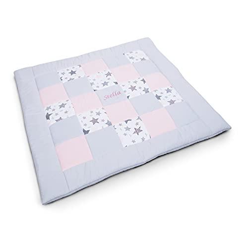 Amilian Manta para gatear, ideal como manta de juegos, manta para parque de juegos, manta acolchada con nombre y fecha bordada, ideal como regalo M114 145 x 145 cm