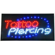 = TATTOO PIERCING = Rechthoekig Veelkleurig Knipperende COMMERCIËLE LED SIGN BRIGHT NEON POWERFUL GENIMATEERDE DISPLAY HANGING CHAIN INCLUDEERDE SIGNS 45mm x 25mm x 2mm
