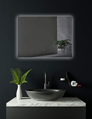 HOKO® Badezimmer Spiegel beleuchtet mit integrierter Uhr, Arzberg 80x60cm, Querformat mit Hintergrundbeleuchtung, Energieklasse A+ (WEEE-Reg. Nr.: DE 40647673)