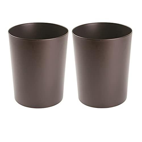 mDesign – Papelera metálica (juego de 2) – Cubo de basura moderno para el baño, la oficina o la cocina – Preciosa papelera de diseño de color bronce – Fabricada en acero