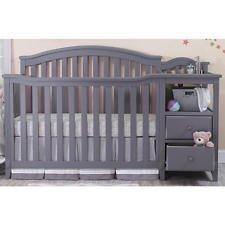 Sorelle Berkley Crib and Changer - Gray