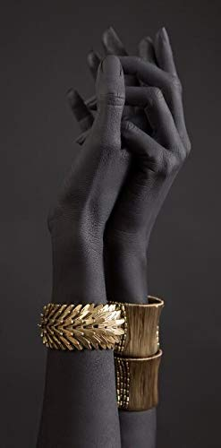 Mujer negra africana Manos sujetan Pulsera de oro Joyería Fotos HD Lienzo Pintura Arte de la pared Póster Impresiones Sala de estar Tienda de estudio Tienda Decoración para el hogar Mural