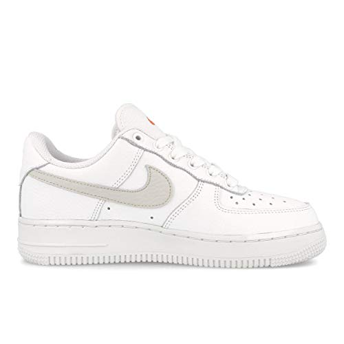 Nike Air Force 1 07, Zapatillas de bsquetbol Mujer, Summit White White Solar Flare Starfish, 39 EU