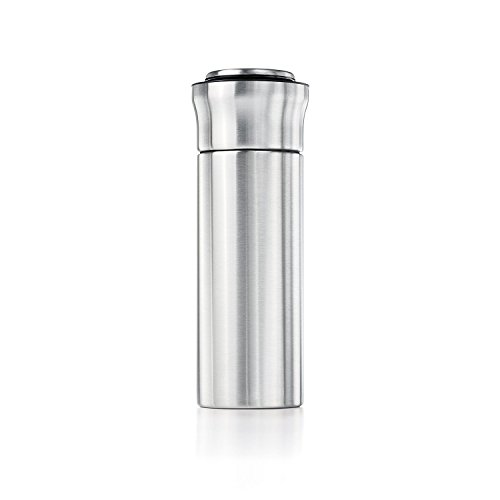OXO SteeL Press & Pour Insulated Cocktail Shaker