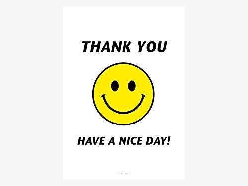 Kunstdruck Poster - Have A Nice Day - von typealive - Schwarz-weißes Bild mit lustigem Spruch und gelbem Smiley als Dekoration Büro
