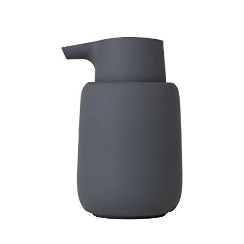 blomus -SONO- Seifenspender aus Keramik, Magnet, Seifendosierer in edler Optik, mattiert, hochwertige Verarbeitung, exklusives Badaccessoire (H / B / T: 14 x 8,5 x 8,5 cm, Farbe: Magnet, 69039)