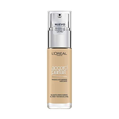 L'Oréal Paris Accord Parfait, Base de maquillaje acabado natural con ácido hialurónico, tono piel claro 2D, 30 ml